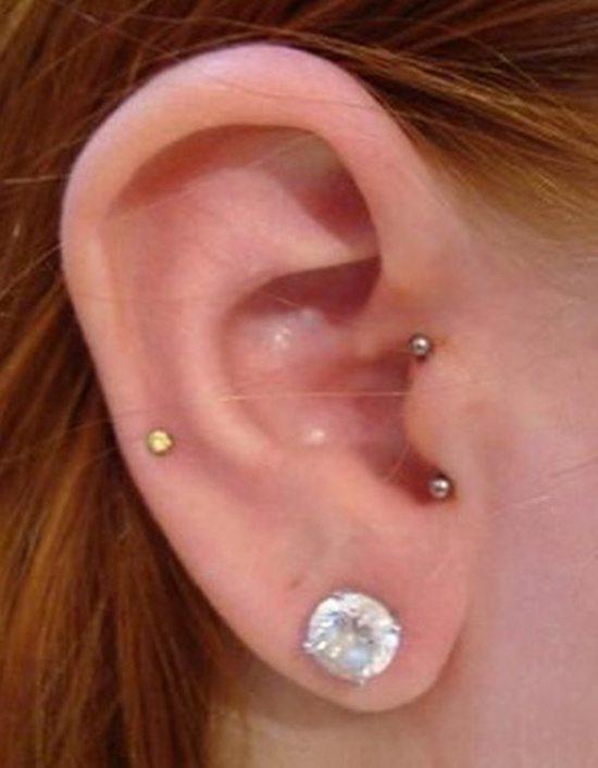 tragus piercing (2)