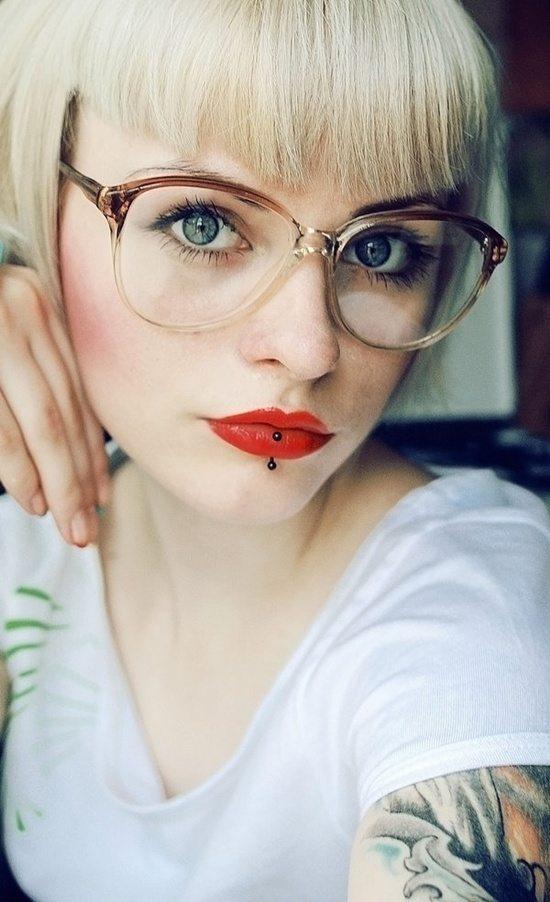 vertical labret piercing (5)
